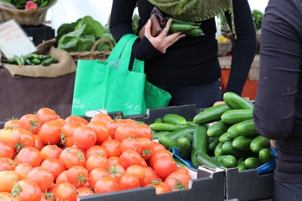 miami-organic-fruit-stall